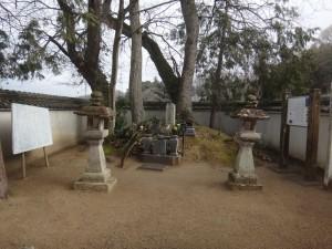 s-03-1竹中半兵衛の墓