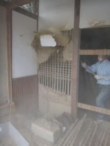s-04-8内側の壁破壊中